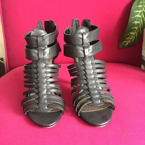 Madden girl size 7 cage heel